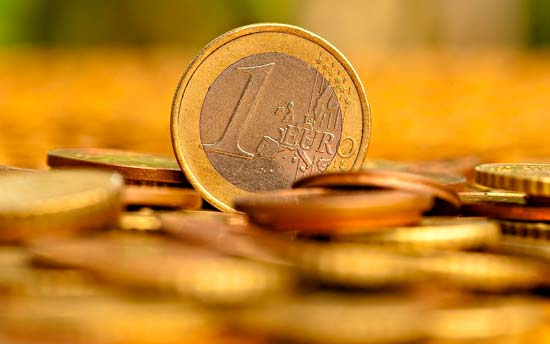 Стоит ли прибегать к помощи заговоров на деньги