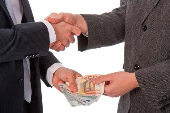 Стоит ли просить деньги в долг у частных лиц