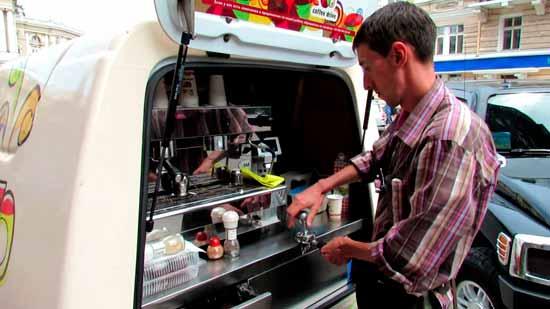 Как кофейня на колёсах может помочь вам разбогатеть