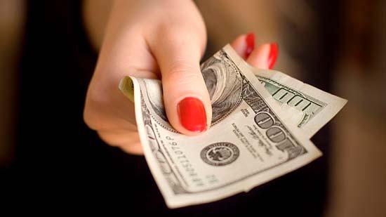Что будет, если отдать долг вечером и как обезопасить себя от негативного влияния